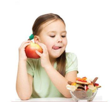 Enfants obèses : Conseils pour les aider à ne pas trop manger durant les fêtes